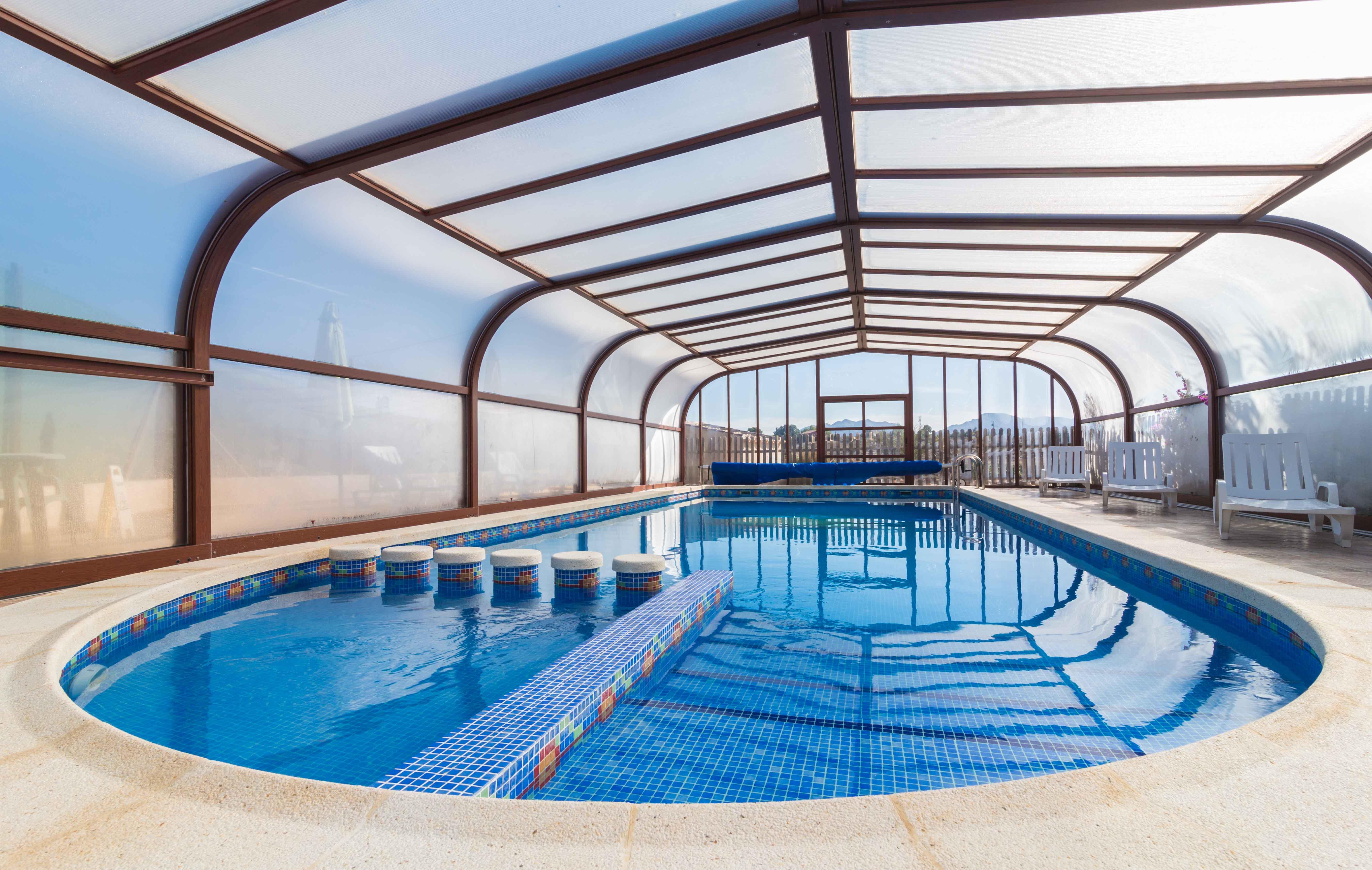 El viejo establo casas rurales ofertas oferta para for Precio piscina climatizada